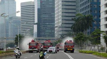 Endonezya'nın başkenti Cakarta'da koronavirüs nedeniyle ilan edilen acil durum uzatıldı