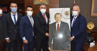 Menemen'de AK Partili Belediye Başkan Vekili Aydın Pehlivan görevine başladı