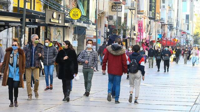 Haftalık vaka haritası açıklandı: İzmir'in durumu ağırlaşıyor!