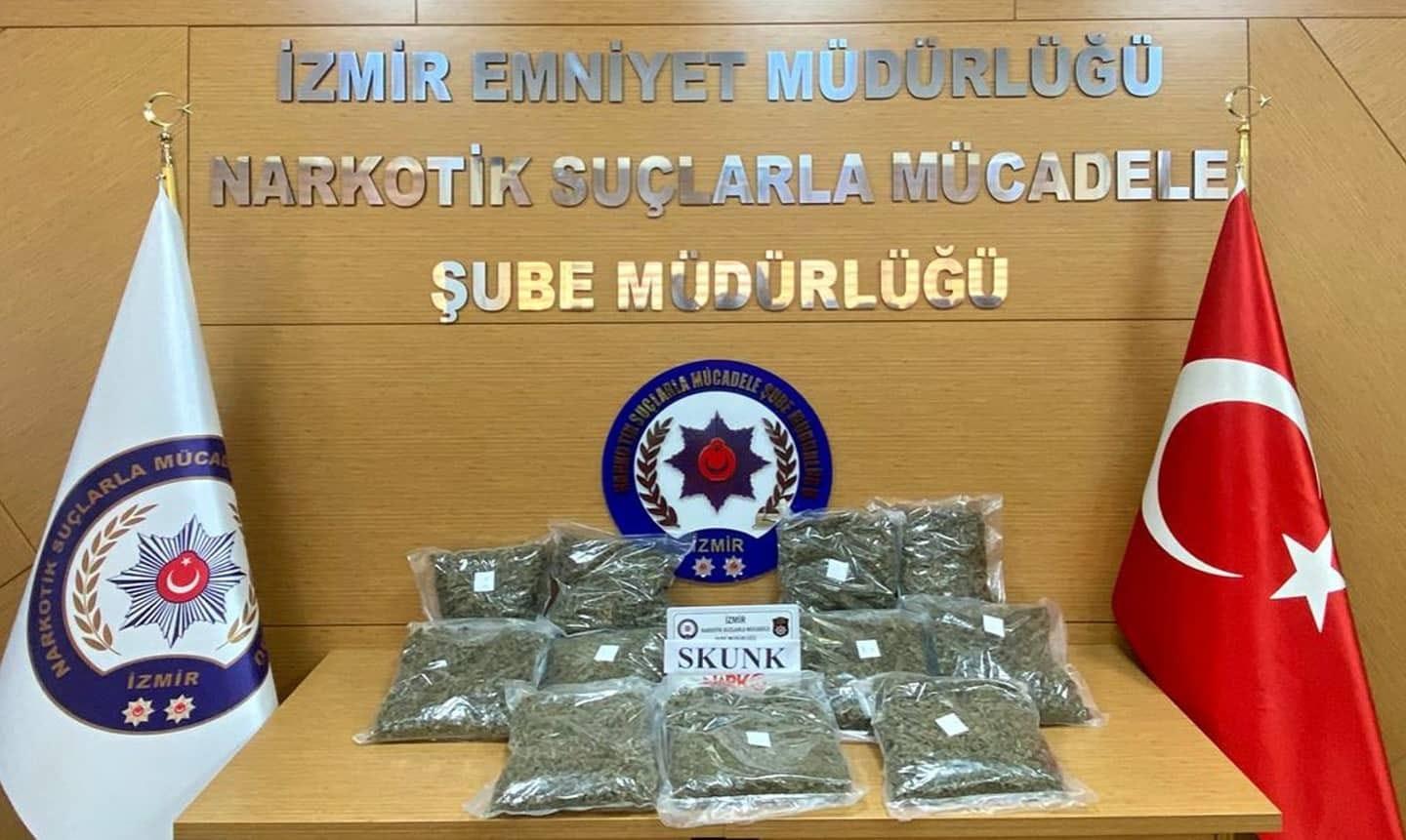 İzmir'de otoyol gişelerinde uyuşturucu operasyonu