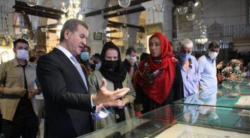 Mustafa Sarıgül , Konya Mevlana 'yı   ziyaret etti